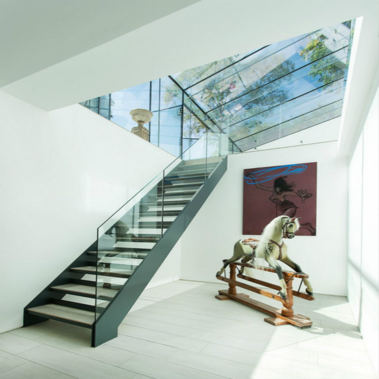 Framleess Glass Railing Steel Wood Stair
