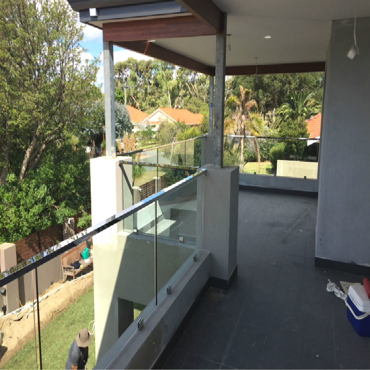 Semi-Frameless Glass Balustrade With Top Fixed Handrail