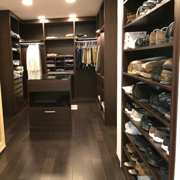Saudi Walk-In Closet