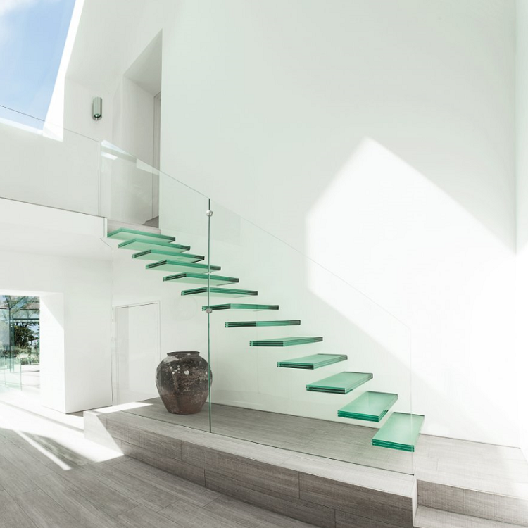 Laminated Glass Steps Cantilevered Staircase