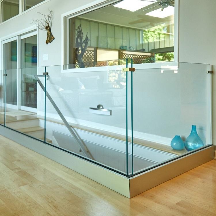 Frameless U Channel Fixing Glass Balustrade