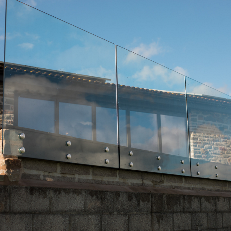 Steel Standoff With Base Plate Glass Deck Railing